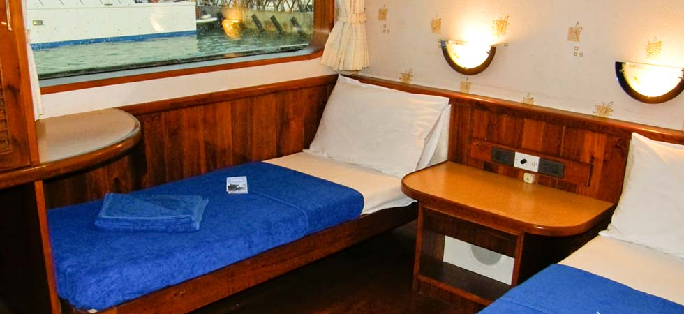 Inside look at the deluxe cabin on the Scuba Explorer