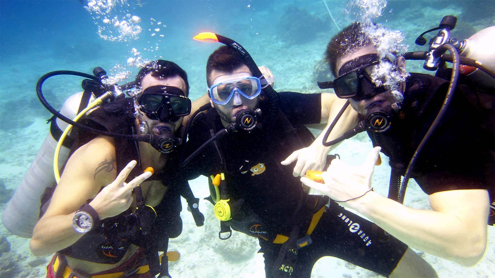 Get your PADI Advanced Open Water while living aboard the Scuba Explorer
